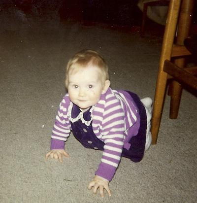 Gudrun Crawling small