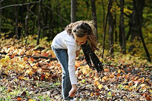 Svana in leaves