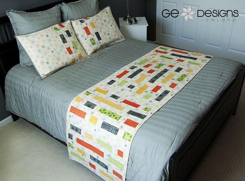 GE FFHome Brick House bed runner