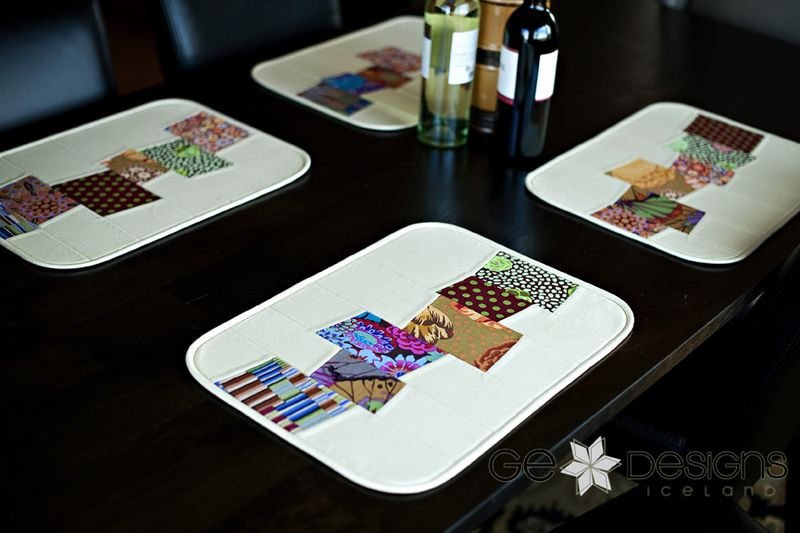 GE FFHome Broken Glass placemat